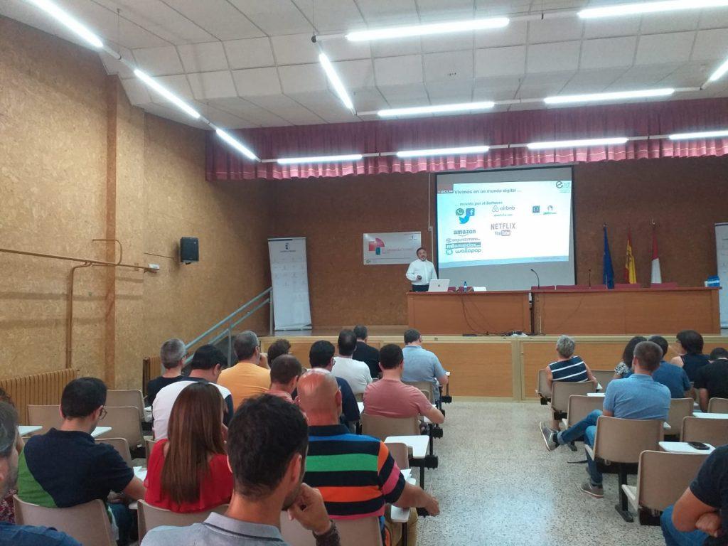 Fotos I Encuentro Profesores Familia Profesional Informática y Comunicaciones (12)