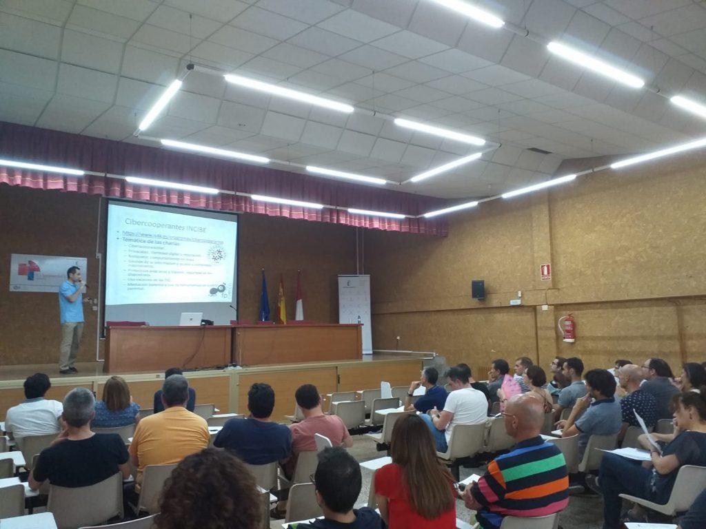 Fotos I Encuentro Profesores Familia Profesional Informática y Comunicaciones (15)