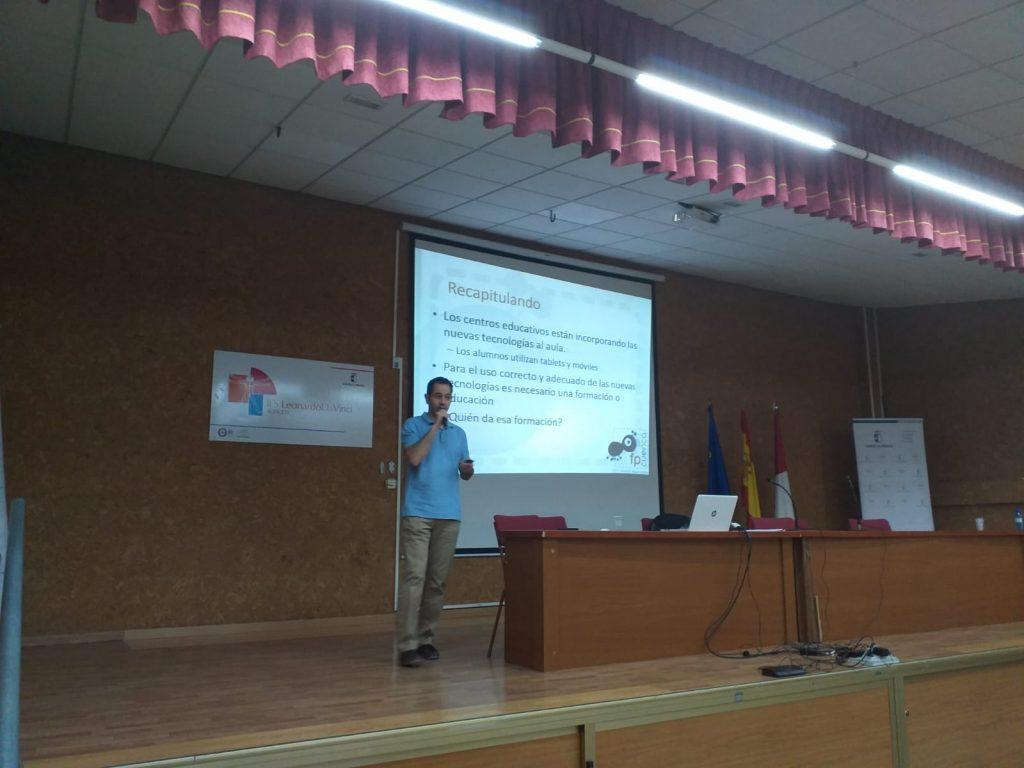 Fotos I Encuentro Profesores Familia Profesional Informática y Comunicaciones (4)